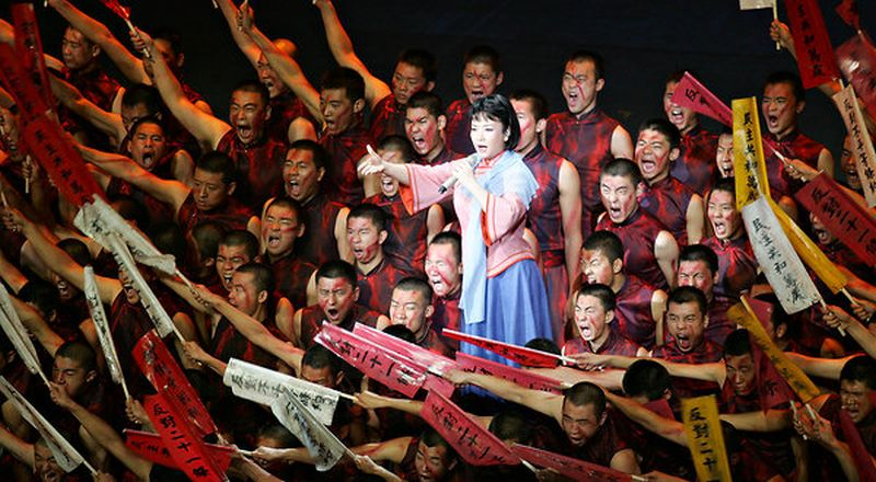 Peng Liyuan performing in Beijing in 2009.[Пэн Лиюань выступает в Пекине, 2009 г.]/ Imaginechina, via Agence France-Presse — Getty Images